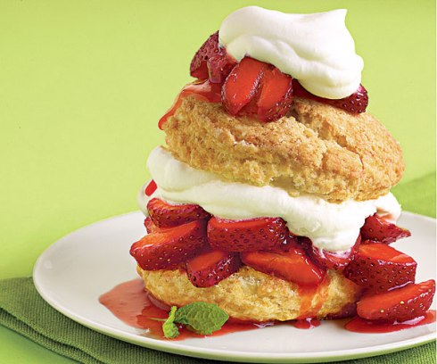051111001-strawberry-shortcake-recipe_xlg
